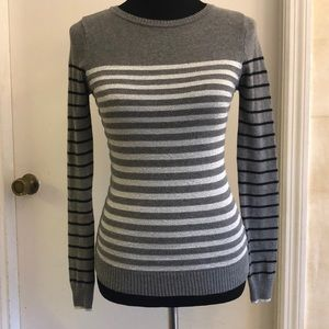 ENERGIE long sleeved sweater, gray with stripes.